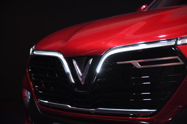 Cận ảnh hai mẫu xe siêu chất của Vinfast tại Paris Motor Show 2018 - Ảnh 3.