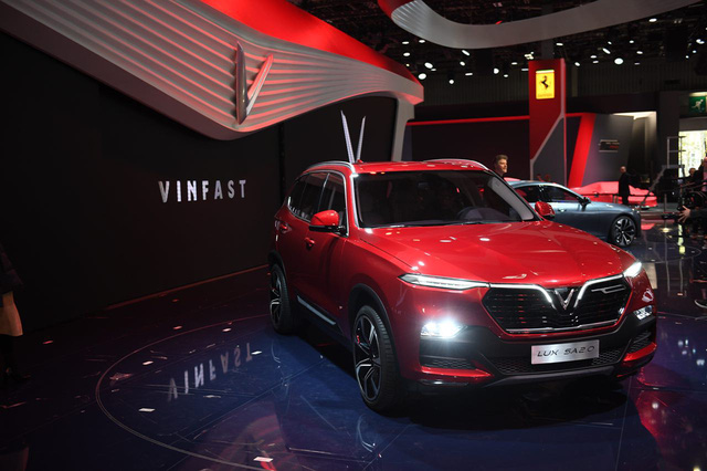 Cận ảnh hai mẫu xe siêu chất của Vinfast tại Paris Motor Show 2018 - Ảnh 1.