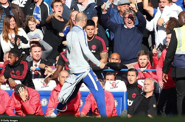 ẢNH: Chelsea hòa kịch tính trước Man Utd tại Stamford Bridge - Ảnh 15.