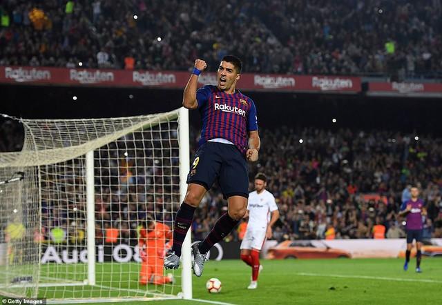 ĐHTB vòng 9 La Liga: Không Messi đã có Suarez - Ảnh 4.