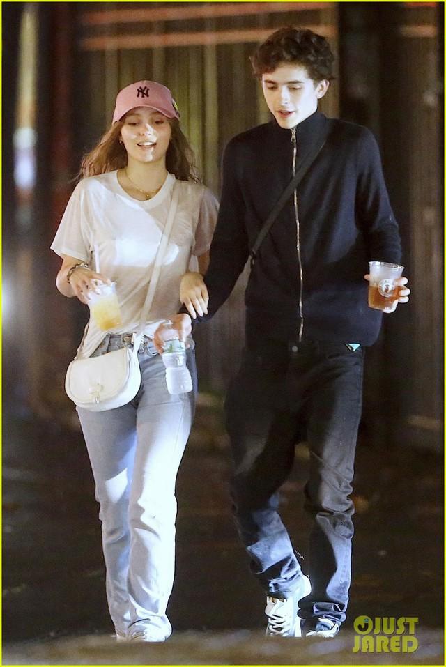 Hôn môi sao phim Call Me by Your Name, con gái Johnny Depp khẳng định tin đồn - Ảnh 2.