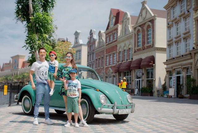 Vợ chồng ca sĩ Đăng Khôi vui vẻ đi du lịch cùng hai con - Ảnh 10.