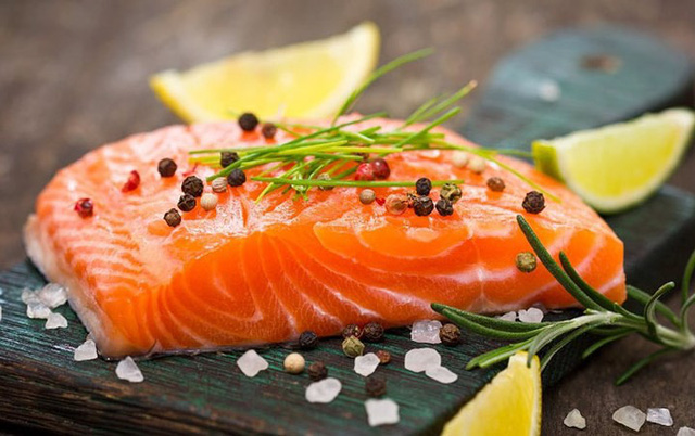 8 thực phẩm giúp tăng cường khả năng não bộ, đẩy lùi lão hóa - Ảnh 1.