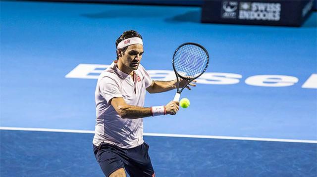 Vất vả giành chiến thắng trước Gilles Simon, Roger Federer vào bán kết Basel mở rộng 2018 - Ảnh 1.