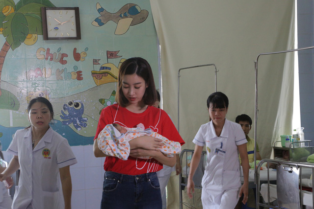 Hoa hậu Đỗ Mỹ Linh kêu gọi ủng hộ bệnh nhi tim bẩm sinh - Ảnh 1.