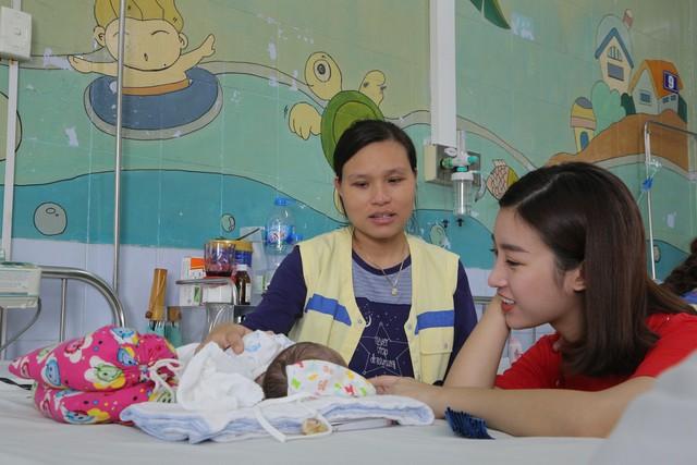 Hoa hậu Đỗ Mỹ Linh kêu gọi ủng hộ bệnh nhi tim bẩm sinh - Ảnh 3.