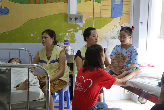 Hoa hậu Đỗ Mỹ Linh kêu gọi ủng hộ bệnh nhi tim bẩm sinh - Ảnh 5.