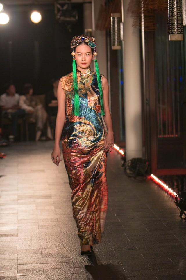 Hành trình về Phương Đông: Khi tuồng truyền thống kết hợp cùng thời trang Việt - Ảnh 14.