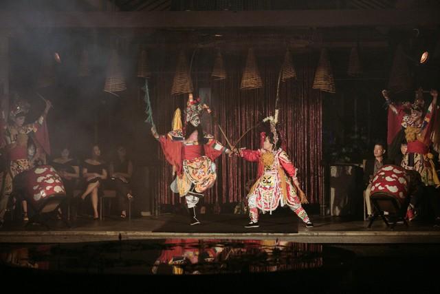 Hành trình về Phương Đông: Khi tuồng truyền thống kết hợp cùng thời trang Việt - Ảnh 4.
