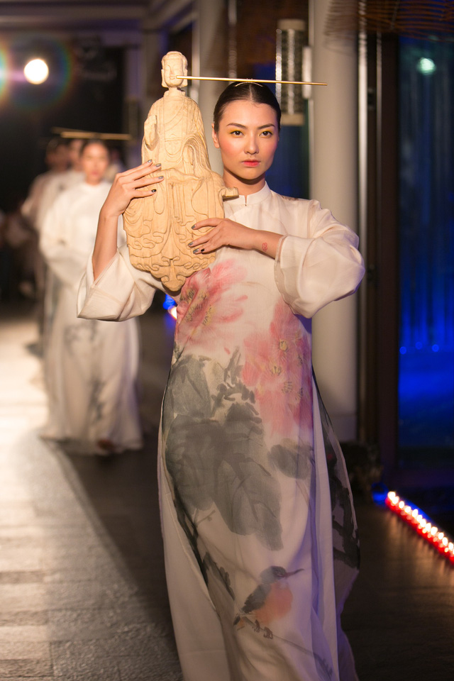 Hành trình về Phương Đông: Khi tuồng truyền thống kết hợp cùng thời trang Việt - Ảnh 12.