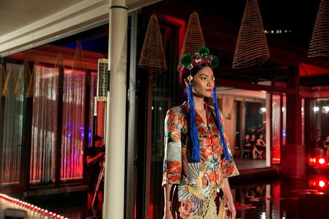 Hành trình về Phương Đông: Khi tuồng truyền thống kết hợp cùng thời trang Việt - Ảnh 7.