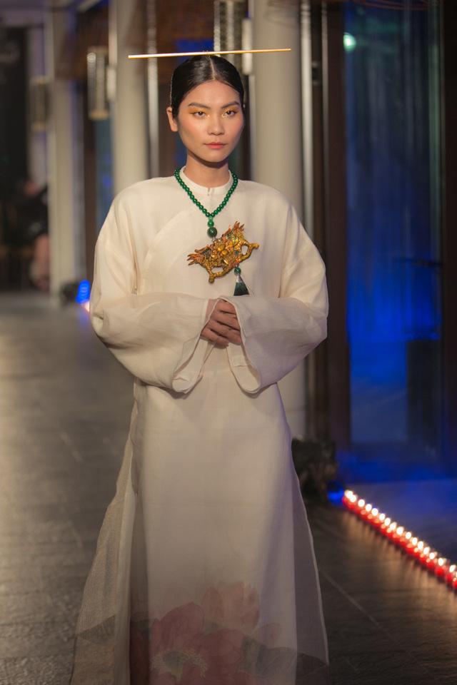 Hành trình về Phương Đông: Khi tuồng truyền thống kết hợp cùng thời trang Việt - Ảnh 9.