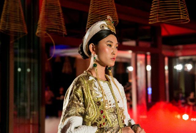 Hành trình về Phương Đông: Khi tuồng truyền thống kết hợp cùng thời trang Việt - Ảnh 17.