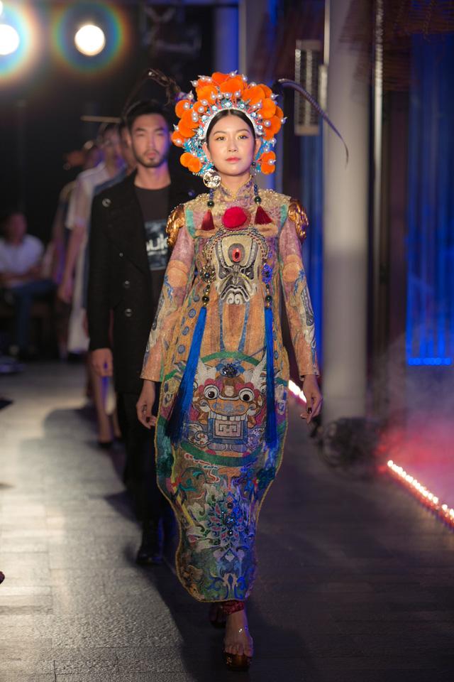Hành trình về Phương Đông: Khi tuồng truyền thống kết hợp cùng thời trang Việt - Ảnh 6.