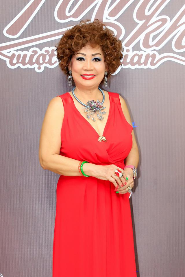 Nữ hoàng nhạc Jazz Tuyết Loan từng bị cha đốt quần áo năm 14 tuổi - Ảnh 1.