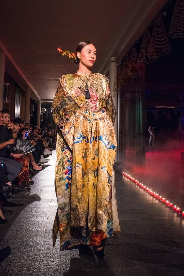 Hành trình về Phương Đông: Khi tuồng truyền thống kết hợp cùng thời trang Việt - Ảnh 16.