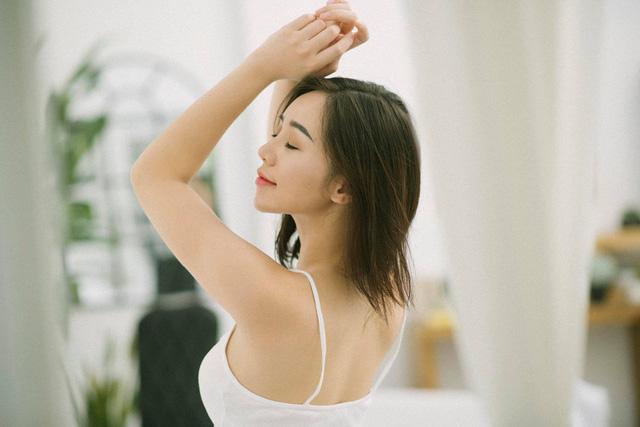 Quỳnh Kool khoe vẻ đẹp mong manh thu hút ánh nhìn - Ảnh 10.