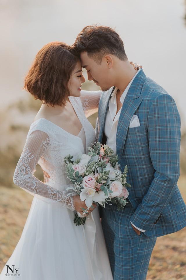 Ngắm bộ ảnh cưới tình bể bình của diễn viên Xuân Phúc - Ảnh 2.