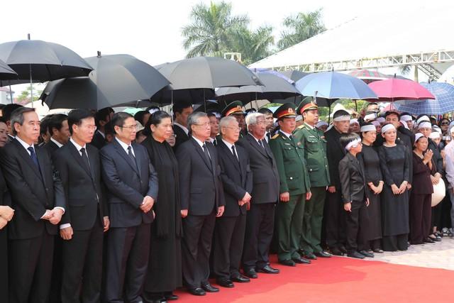 Hình ảnh Lễ an táng nguyên Tổng Bí thư Đỗ Mười tại quê nhà - Ảnh 3.