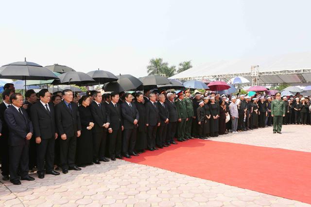 Hình ảnh Lễ an táng nguyên Tổng Bí thư Đỗ Mười tại quê nhà - Ảnh 2.