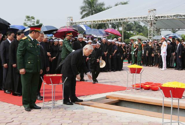 Hình ảnh Lễ an táng nguyên Tổng Bí thư Đỗ Mười tại quê nhà - Ảnh 5.