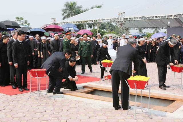 Hình ảnh Lễ an táng nguyên Tổng Bí thư Đỗ Mười tại quê nhà - Ảnh 6.