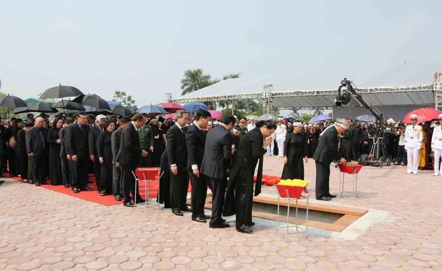 Hình ảnh Lễ an táng nguyên Tổng Bí thư Đỗ Mười tại quê nhà - Ảnh 7.