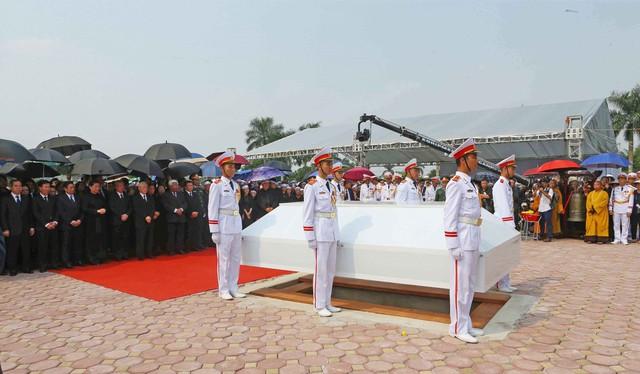 Hình ảnh Lễ an táng nguyên Tổng Bí thư Đỗ Mười tại quê nhà - Ảnh 8.