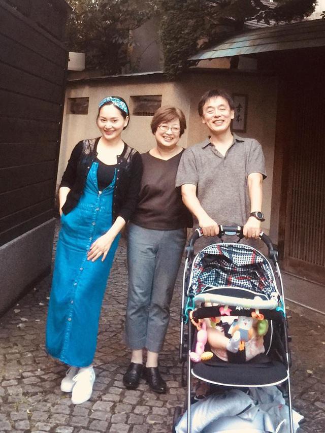 Hết đến Anh, Lan Phương lại đưa con gái 4 tháng tuổi sang Nhật - Ảnh 1.