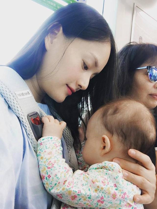 Hết đến Anh, Lan Phương lại đưa con gái 4 tháng tuổi sang Nhật - Ảnh 3.