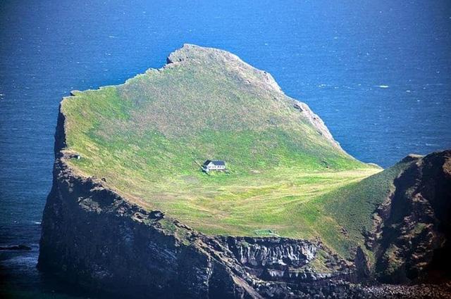 10 địa điểm xa xôi, hẻo lánh nhất thế giới - Ảnh 1.