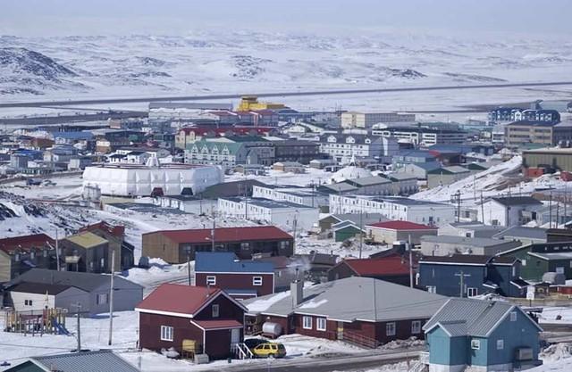 10 địa điểm xa xôi, hẻo lánh nhất thế giới - Ảnh 8.