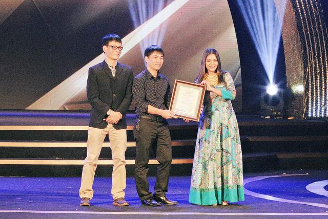 Hai đứa trẻ một lần nữa được vinh danh tại LHP Quốc tế Hà Nội 2018 - Ảnh 1.