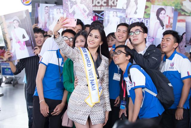 Hoa hậu Tiểu Vy chính thức lên đường dự thi Miss World 2018 - Ảnh 3.
