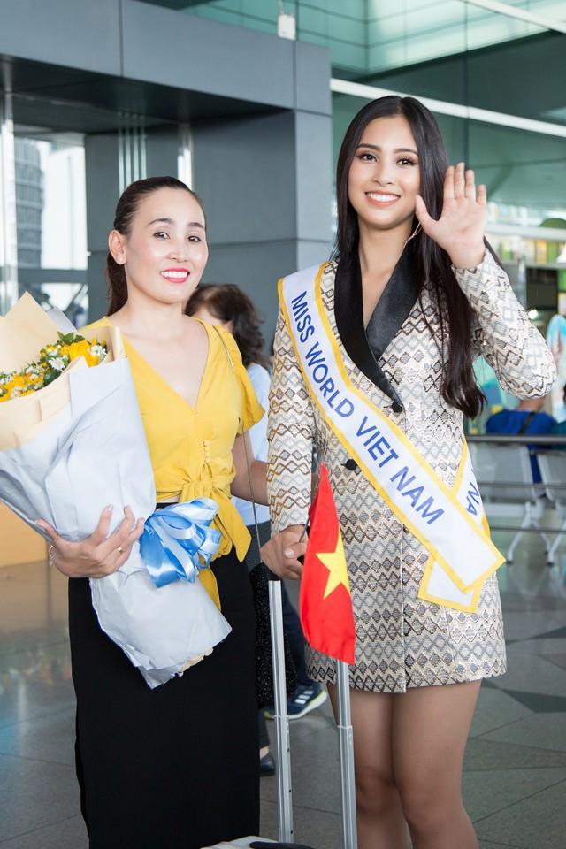 Hoa hậu Tiểu Vy chính thức lên đường dự thi Miss World 2018 - Ảnh 2.