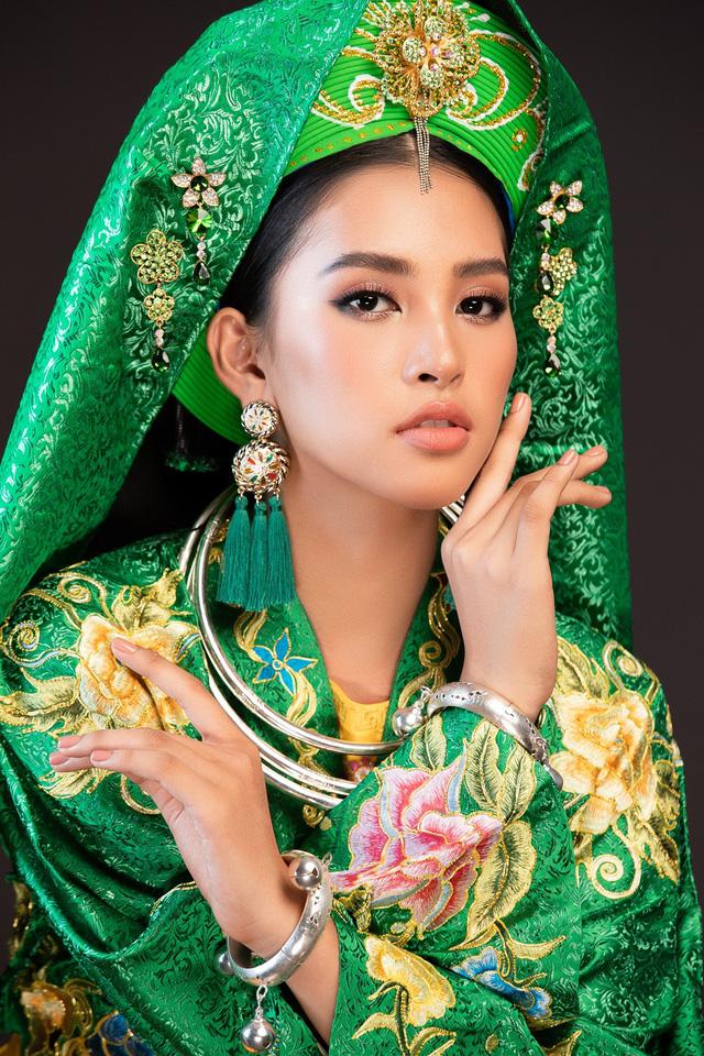 Hoa hậu Tiểu Vy mang điệu múa chầu văn đến Miss World 2018 - Ảnh 4.
