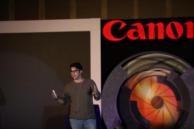 Trải nghiệm máy ảnh không gương lật full frame EOS R - Ảnh 1.