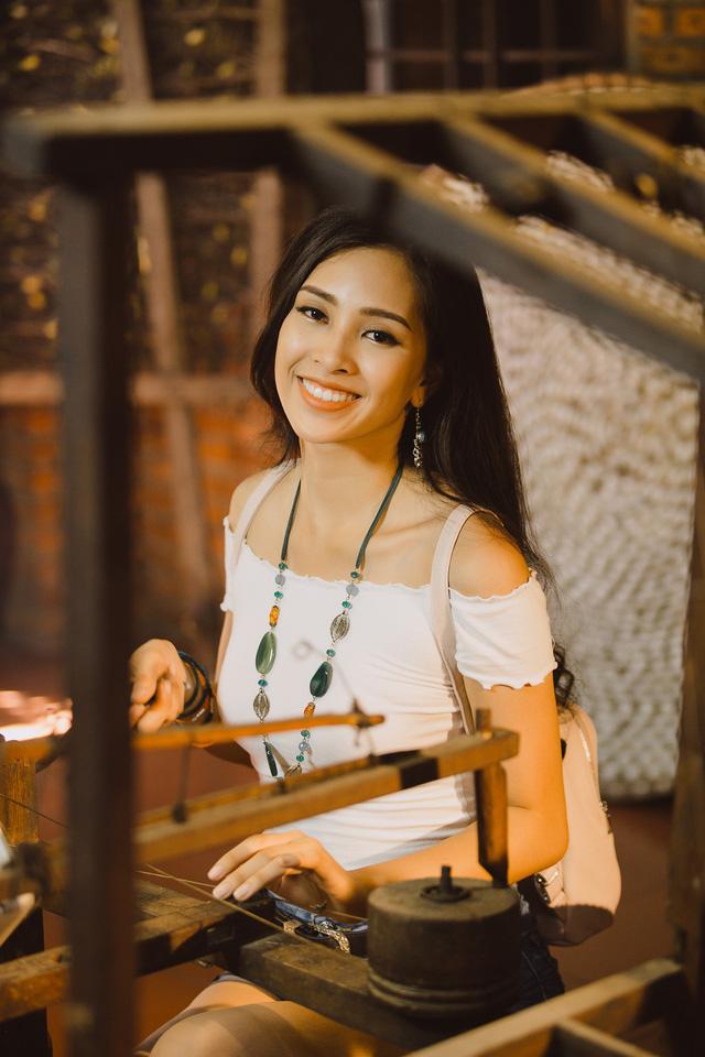 Hoa hậu Tiểu Vy mang món quà Hội An đến Miss World 2018 - Ảnh 6.