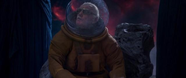"""Nhìn lại những vai diễn """"cameo"""" ấn tượng của """"cha đẻ"""" Marvel Stan Lee - Ảnh 9."""