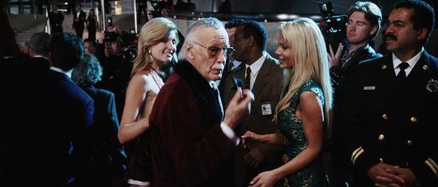 """Nhìn lại những vai diễn """"cameo"""" ấn tượng của """"cha đẻ"""" Marvel Stan Lee - Ảnh 4."""