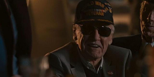 """Nhìn lại những vai diễn """"cameo"""" ấn tượng của """"cha đẻ"""" Marvel Stan Lee - Ảnh 8."""
