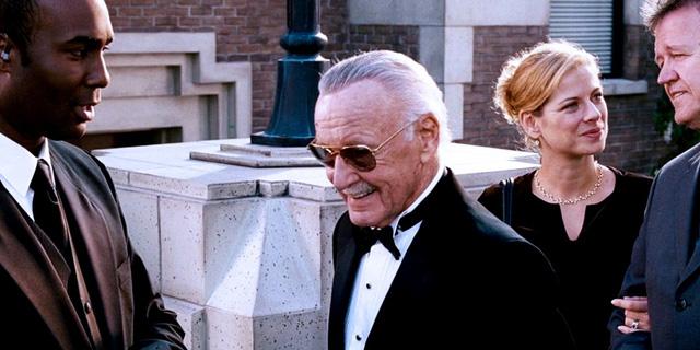 """Nhìn lại những vai diễn """"cameo"""" ấn tượng của """"cha đẻ"""" Marvel Stan Lee - Ảnh 2."""