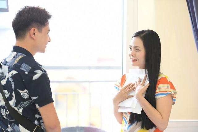 Lương Nguyệt Anh thẹn thùng khi đóng cảnh tình cảm với MC Danh Tùng - Ảnh 6.