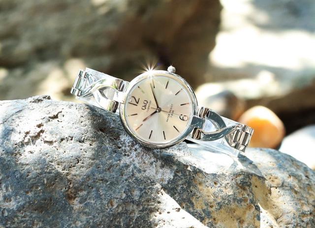 Black Friday giảm giá đến 40% đồng hồ, kính mắt tại Đăng Quang Watch - Ảnh 4.