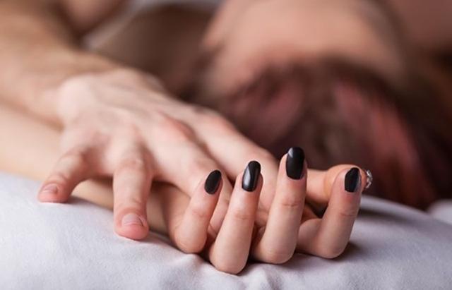 Đàn ông ngoại tình thường có những dấu hiệu này - Ảnh 3.