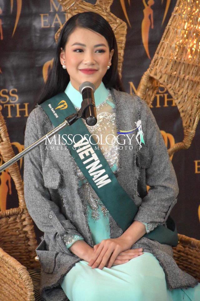 Nguyễn Phương Khánh bị sốt cao trước thềm Chung kết Miss Earth 2018 - Ảnh 2.