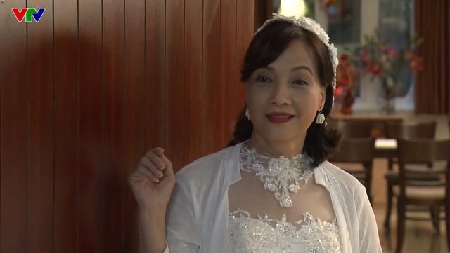 NSND Lê Khanh mơ làm Hoa hậu Hoàn vũ trong phim mới - Ảnh 1.