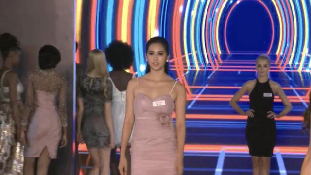 Hoa hậu Tiểu Vy lọt Top 32 phần thi thời trang tại Miss World - Ảnh 4.