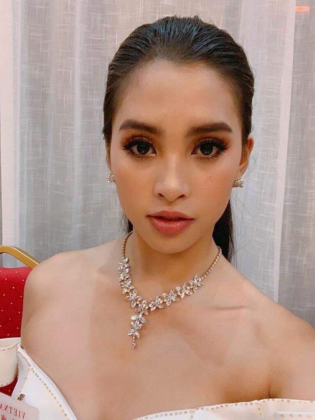 Hoa hậu Tiểu Vy lọt Top 32 phần thi thời trang tại Miss World - Ảnh 2.