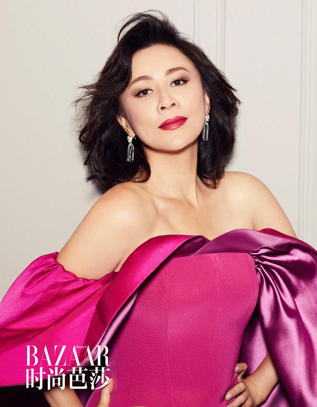 Lưu Gia Linh ở tuổi 52: Mặn mà và quyến rũ - Ảnh 2.